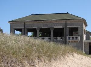 gary-beach-house